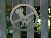 comodul STOP | Warnschild Hundeklo